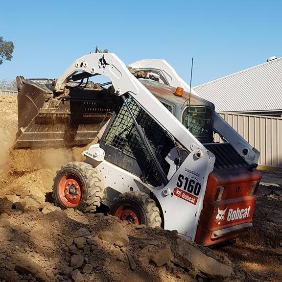 MBE Training conducts Plant Risk Assessments for plant equipment including earthmoving equipment, bobcats, front-end loaders, excavators & can supply safety stickers.